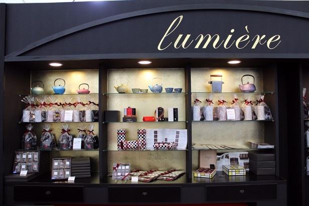 フランス紅茶「ダマンフレール」も京都初進出。ティーバックセット(540円~)や鉄瓶急須も販売