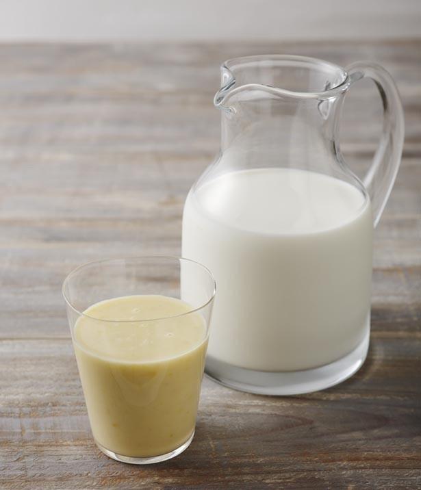 「レンジで彩りスープ」シリーズ「甘みひき立つあら挽きコーンスープ」は、冷たくして飲んでもおいしい