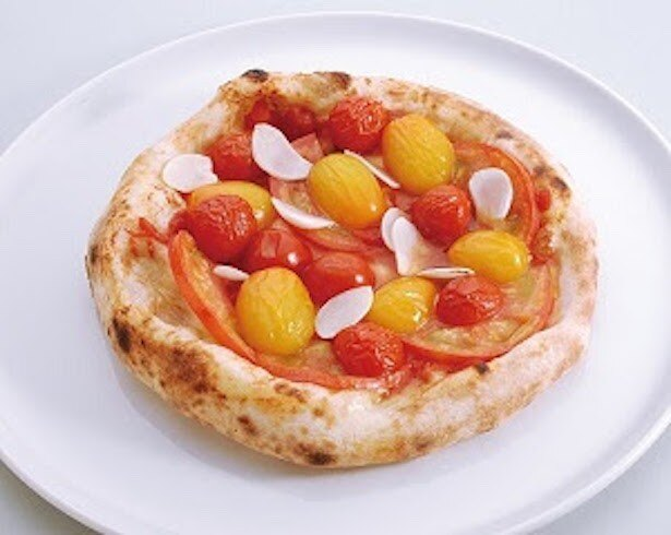 さまざまなトマトが色鮮やかに映える「マリナーラ」