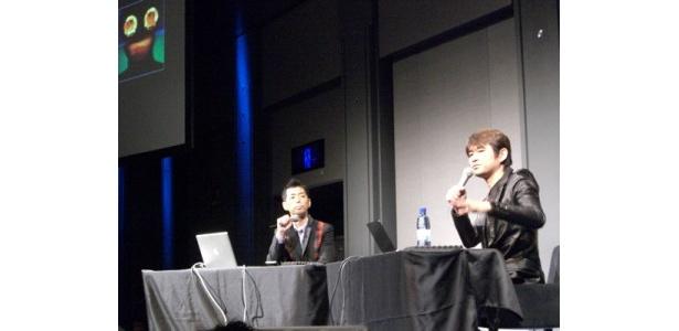昨年の「劇的3時間SHOW」でトークをする佐藤可士和氏(左)と水口哲也氏(右)のふたり