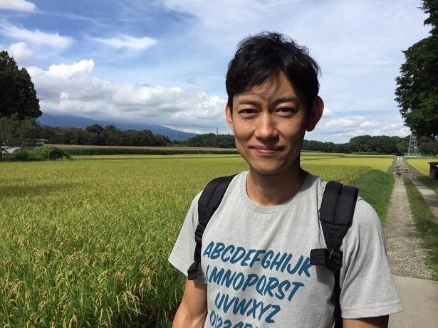 【写真を見る】川岡は自然豊かな那須塩原でスローライフを味わう!