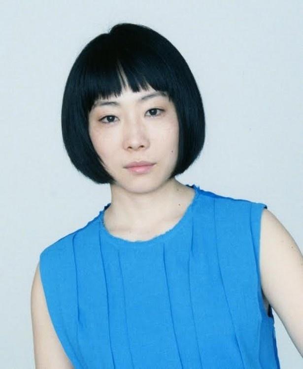 第1話の来店客役でゲスト出演する山田真保