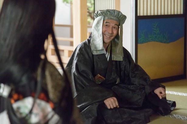 【写真を見る】大坂城の中枢で豊臣家を動かす織田有楽斎を演じる!