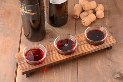 さまざまな赤ワインを飲み比べできる「ワインの飲み比べセット」