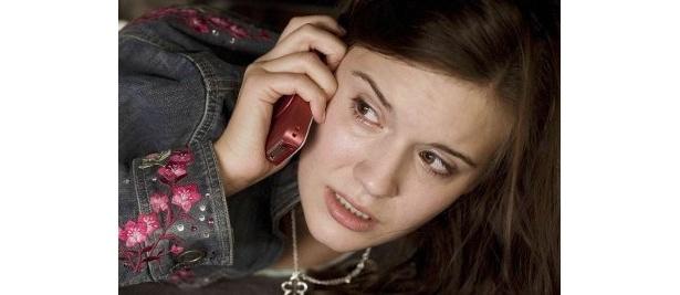 ブライアンの娘キムは初めての海外旅行で訪れたパリで事件に巻き込まれる