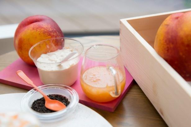 果肉ソースにはネクタリンの他にも白桃や黄桃を贅沢に使っている