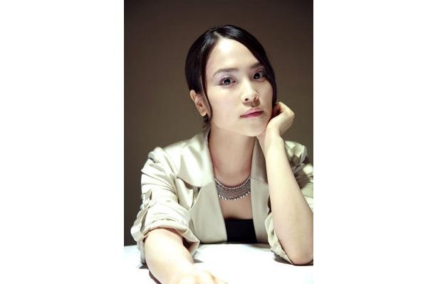 清川あさみは、元カリスマ読者モデルという異色の経歴をもつ