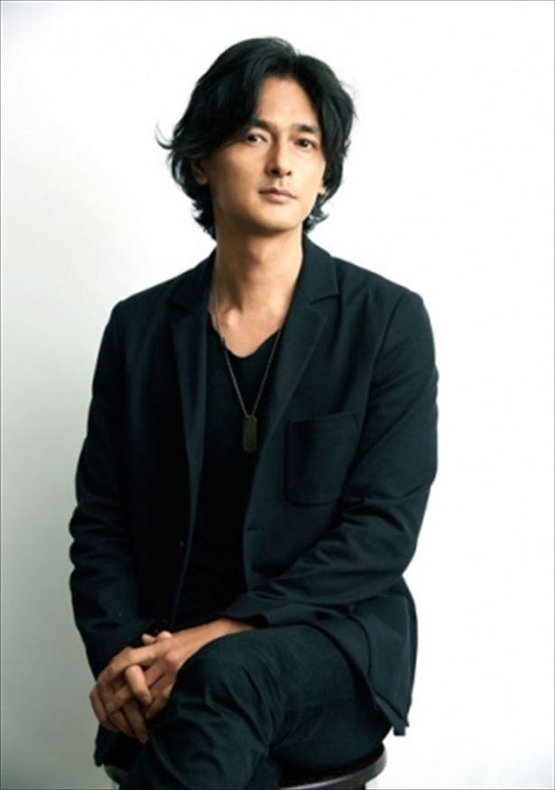 【写真を見る】クリエイティブカンパニー「ネイキッド(NAKED Inc.)」の代表であり、プロジェクションマッピングなどで活躍するアーティスト、村松亮太郎氏が総合演出