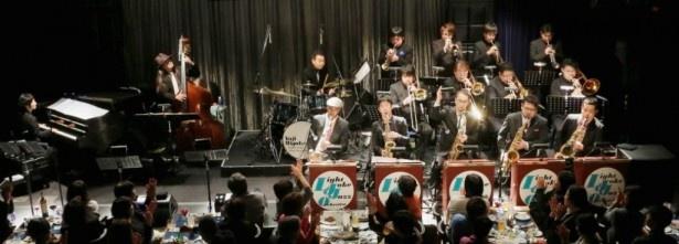 笑いながら本格的なジャズサウンドを楽しめる三宅&LJJOのライブは見逃せない!