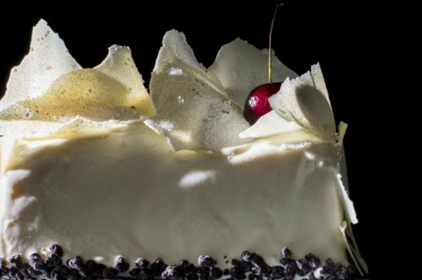 ハイクラスで華やかな特製クリスマスケーキ