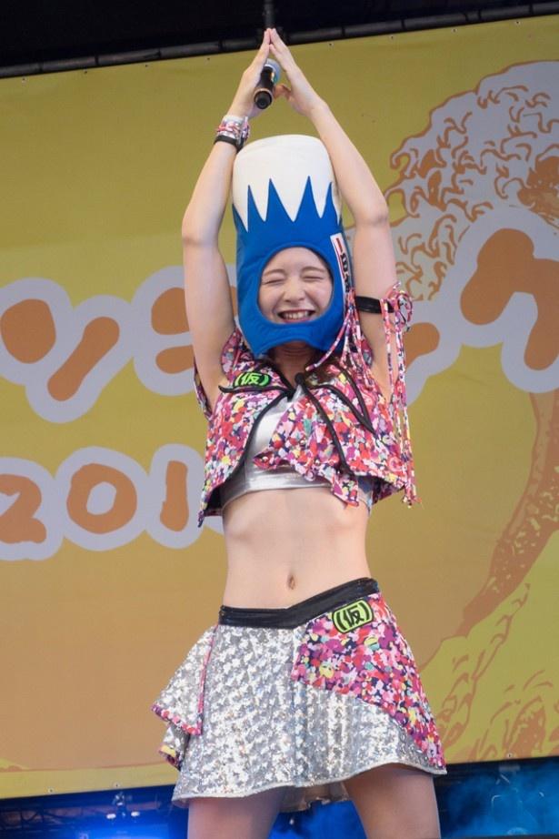 【写真を見る】森ティー、故郷・静岡凱旋で富士山になる!?