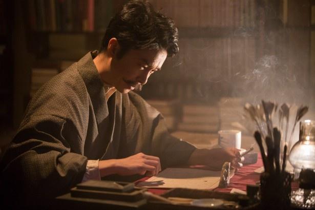 【写真を見る】長谷川博己演じる漱石はまるで本物!?