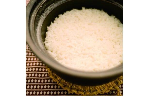 お米のおいしさを噛みしめて。「土鍋ごはん」(800円〜)