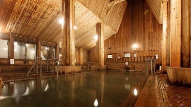 3位は日本の山岳温泉リゾート  新玉川温泉。自然治癒力の促進が期待できるラジウムを含む