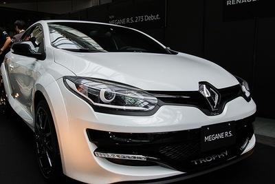 50台限定の特別仕様車「メガーヌ ルノー・スポール273トロフィーS<LHD>」(456万円~)