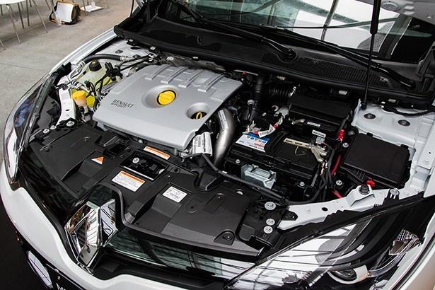 273馬力を発生する2.0リットル4気筒ターボエンジン