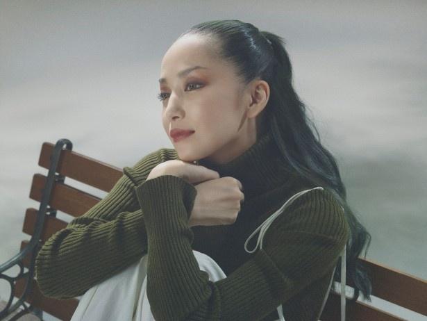 【写真を見る】デビュー15周年を迎えた中島美嘉をWOWOWが大特集!