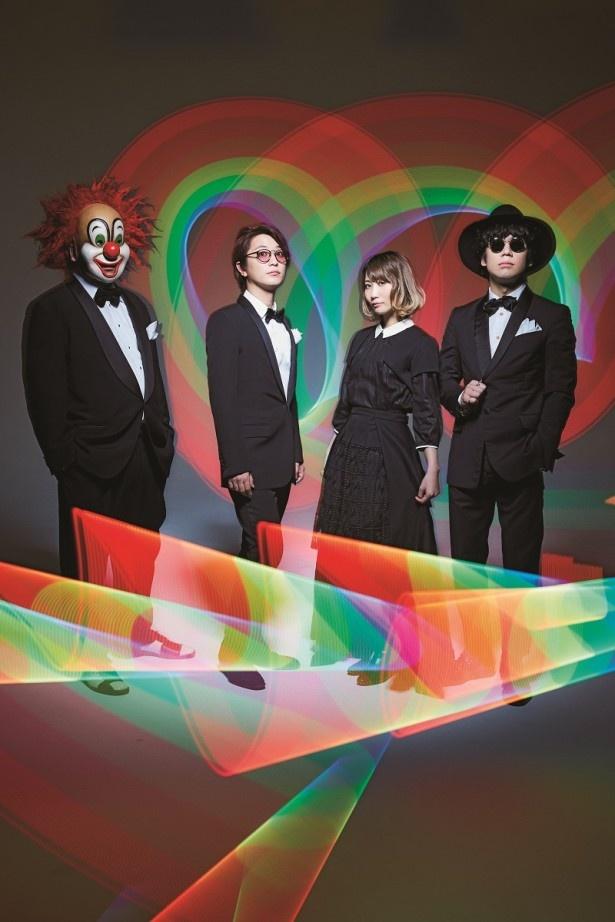 写真左よりDJ LOVE(SoundSelector、DJ)、Fukase(Conceptor、Vocal)、Saori(ShowProduce、Pf)、Nakajin(Leader、SoundProduce、Guitar)