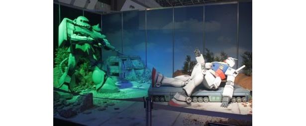 「機動戦士ガンダム」の第1話「ガンダム大地に立つ」の名シーンを1/10スケールで超リアルに再現!