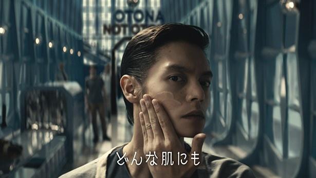 「クリームパーフェクション」を受け取った窪田正孝