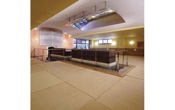 厚木天然温泉 ほの香の「麦飯石サウナ」日本初の可動式で、100畳敷き! 遠赤外線で体の芯まで熱が浸透し、汗と老廃物が出る