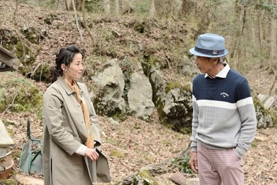 最終話で、麻子にグーグーを託したホームレス(田中泯)に会うため、麻子は富士山へと旅に出る