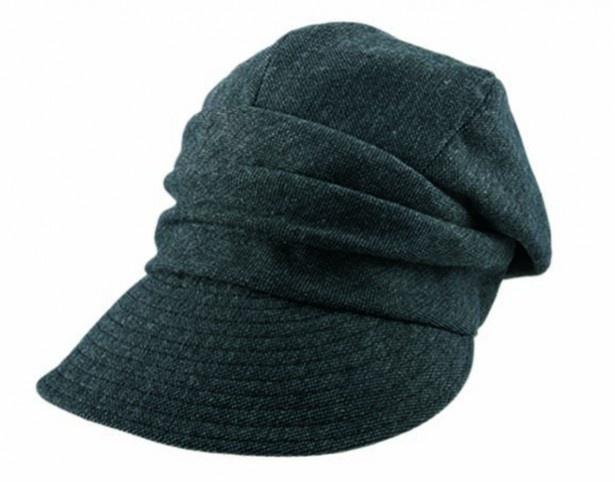 「13機能のあったか小顔キャスケット帽子」チャコールグレー 2990円(税抜)。カラーはブラウンと2色展開
