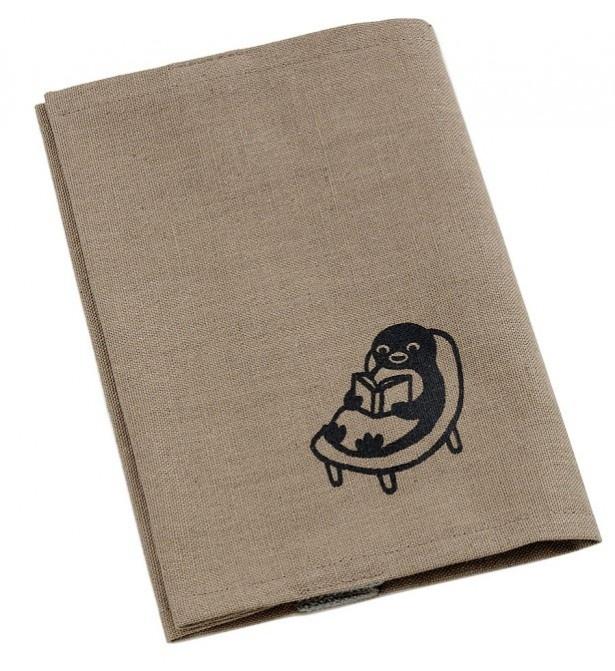 シックな雰囲気の「綿麻素材の文庫カバー(本とペンギン)」