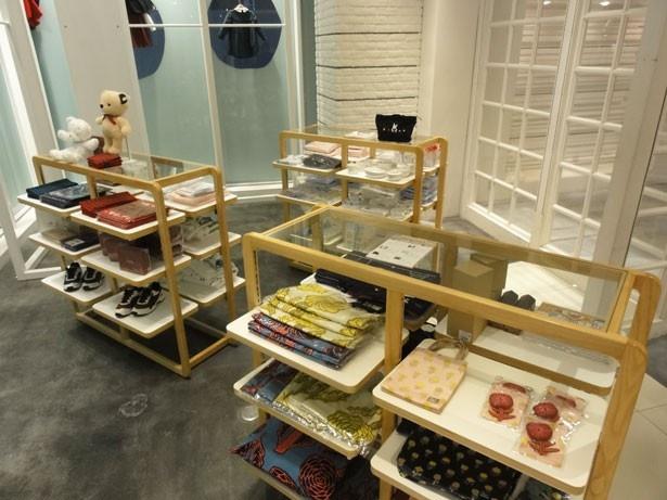 「神戸別品博覧会」では、ファミリアの衣類や雑貨も販売