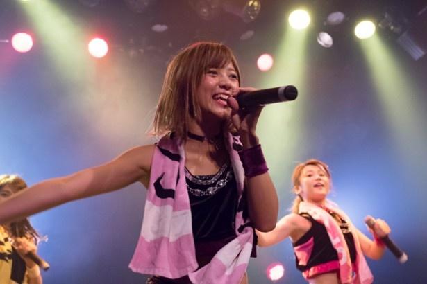あやのん(佐藤綾乃)が日本武道館公演の正式タイトルを発表し、「アプガの気合を受け取ってください!」とファンに呼び掛けた