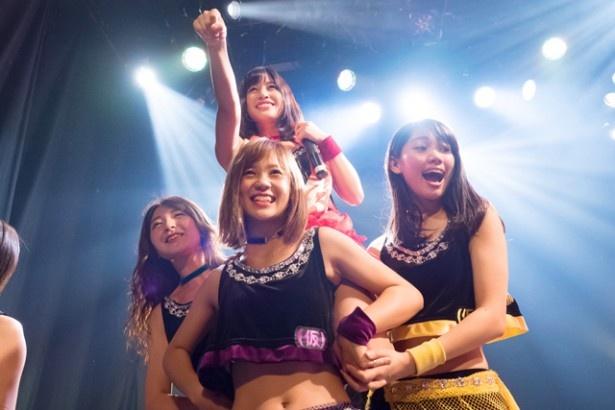 【写真を見る】せんごく「織田信長さんを呼び戻して、舞をやってもらいたい!」