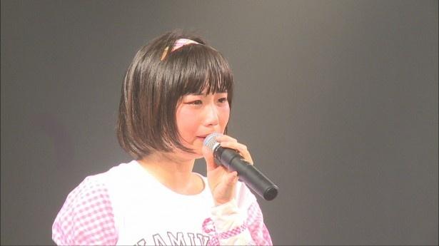 神宿2周年ライブでは、ひなぷぅこと小山ひなの号泣あいさつが印象的だった