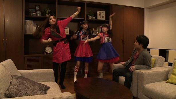 「CSテレ朝ナビ!!SP」では、ドラマ仕立てでCS番組の魅力を紹介