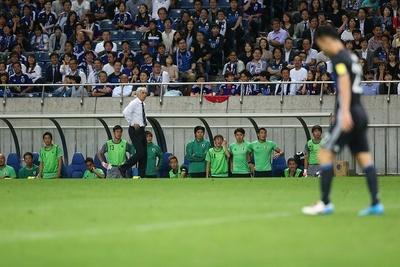 日本代表を率いるハリルホジッチ監督