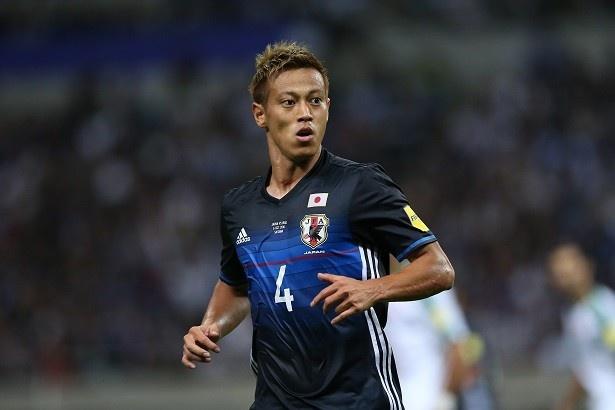 惜しいシュートを放った本田圭佑選手