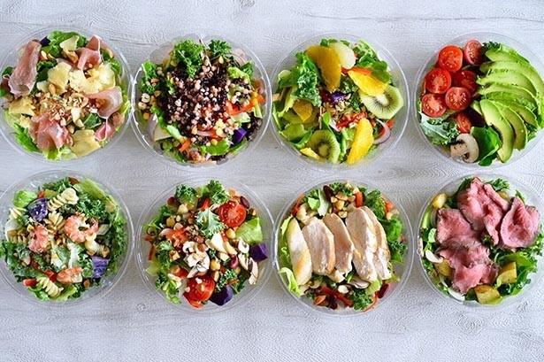 一食で栄養がたっぷり補えるパワーサラダ。カラフルな見た目で、見ても食べて満足