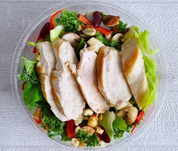 ハーブ鶏のグリル焼きサラダ(HIGH FIVE SALAD+鶏胸肉のグリル、キヌア、ビーツ)  ダイエット・アスリート用サラダ