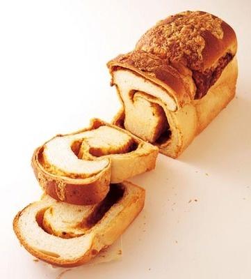 カレー食パン¥550/各日限定50本「焼きたてのパン トミーズ」
