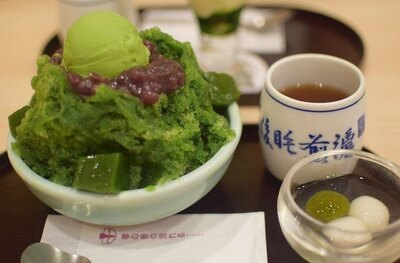 【写真を見る】「今まで食べた中で最高のデザート!」というレビューもあった「茶寮 都路里 祇園本店」