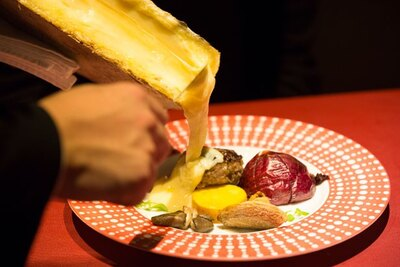トロトロのラクレットチーズに大興奮!