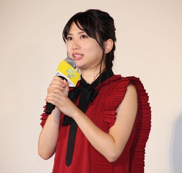 新人アナウンサー役を演じた、志田未来。「原稿読みを家で物凄く練習しました。アナウンサーらしさが伝わればいいなと思います」とコメント