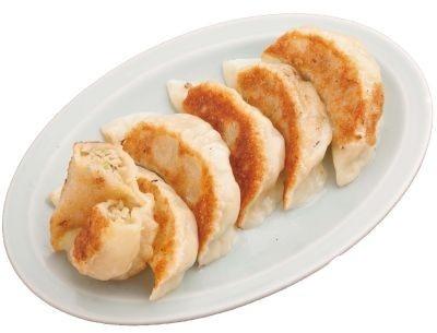 1個7〜8cm!「つけ麺 江戸一」のデカ餃子
