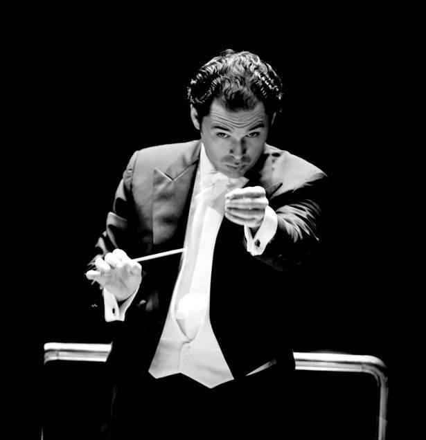 10月31日(月)の公演で、NHK交響楽団を指揮するトゥガン・ソヒエフ氏