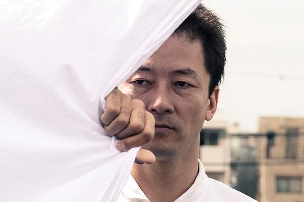 【写真を見る】刑務所上がりの八坂草太郎役で鬼気迫る演技を見せる浅野忠信