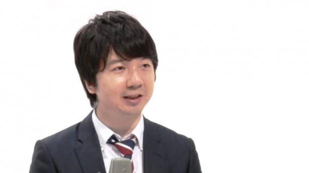 相田は自らカメラを回し、小宮の治療の様子を撮影