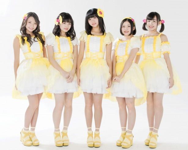 つりビット:竹内夏紀、安藤咲桜、聞間彩、長谷川瑞、小西杏優(左から)