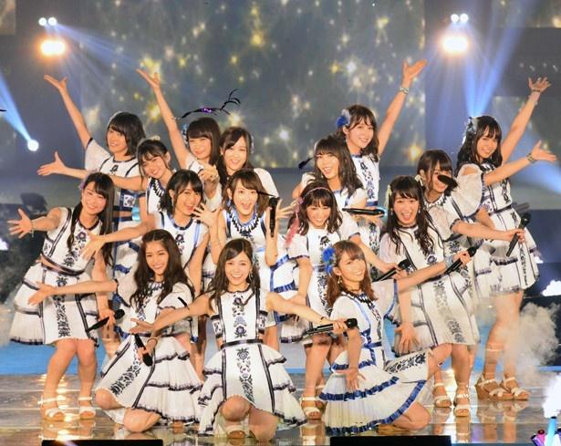 乃木坂46が「GirlsAward」のトリで熱いライブを見せた