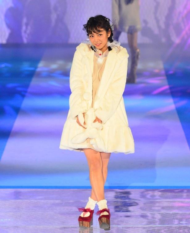 齋藤プロデュースのアイテムに身を包んだ北野日奈子