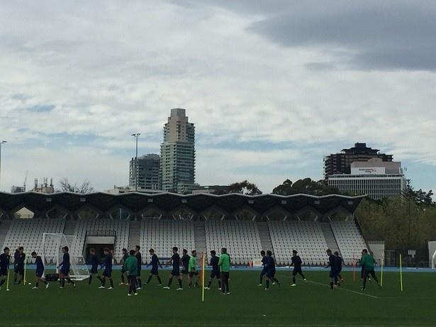 【写真を見る】オーストラリアのメルボルンで練習を行う日本代表