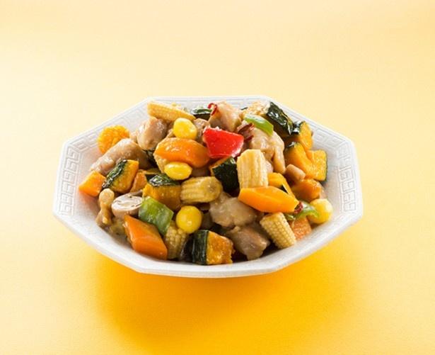 〈聘珍樓〉鶏肉とジェジェJのピリ辛炒め 100g 432円(税込)